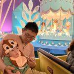 ディズニーにいってミッキーマウスと写真を撮ったよ